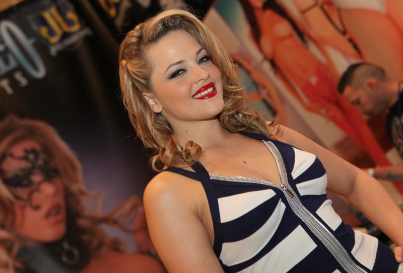 Alexis Texas blond beauty at the AVN Adult Entertainment Expo in 2012