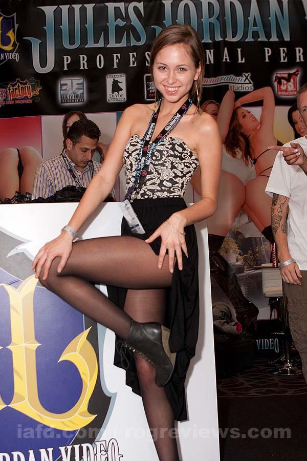 Riley Reid at AEE 2012