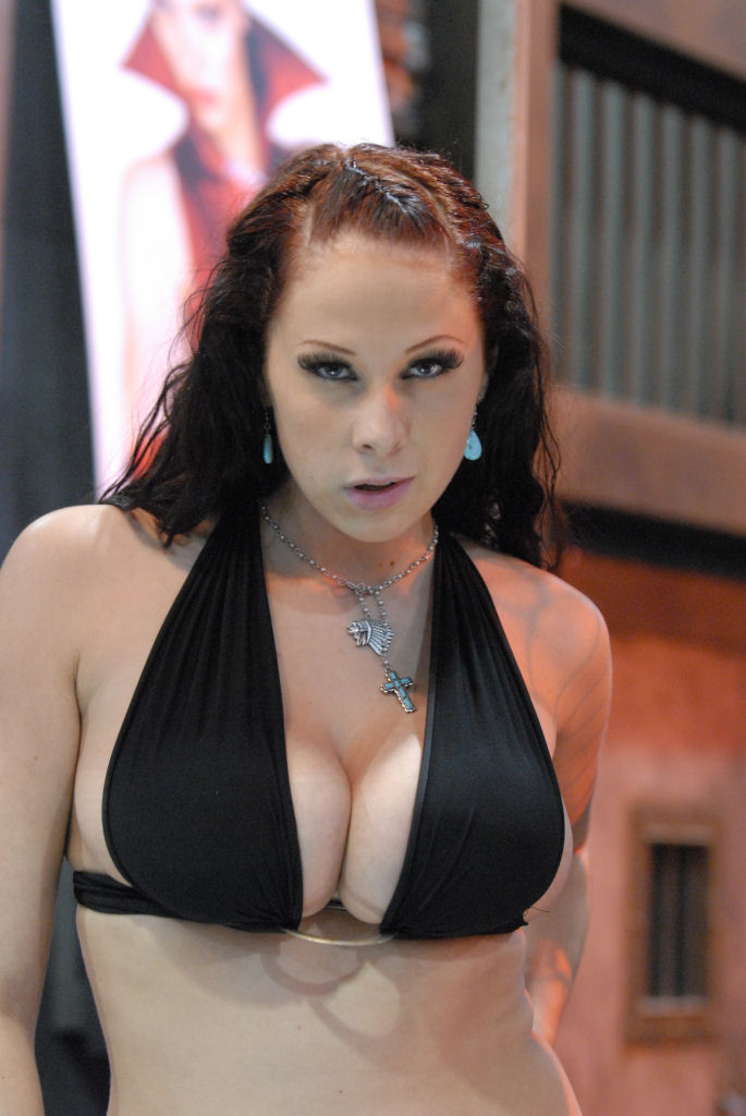 Gianna_Michaels_20080110_Adult_Entertainment_Expo_1