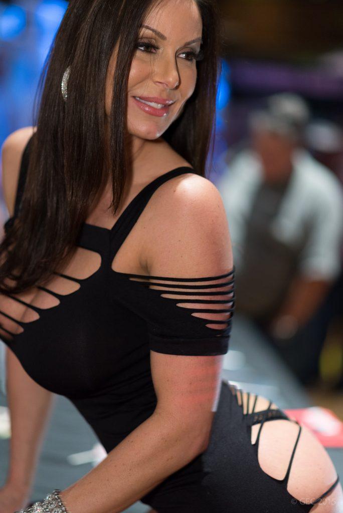 Kendra_Lust_AVN_Expo_2015_2