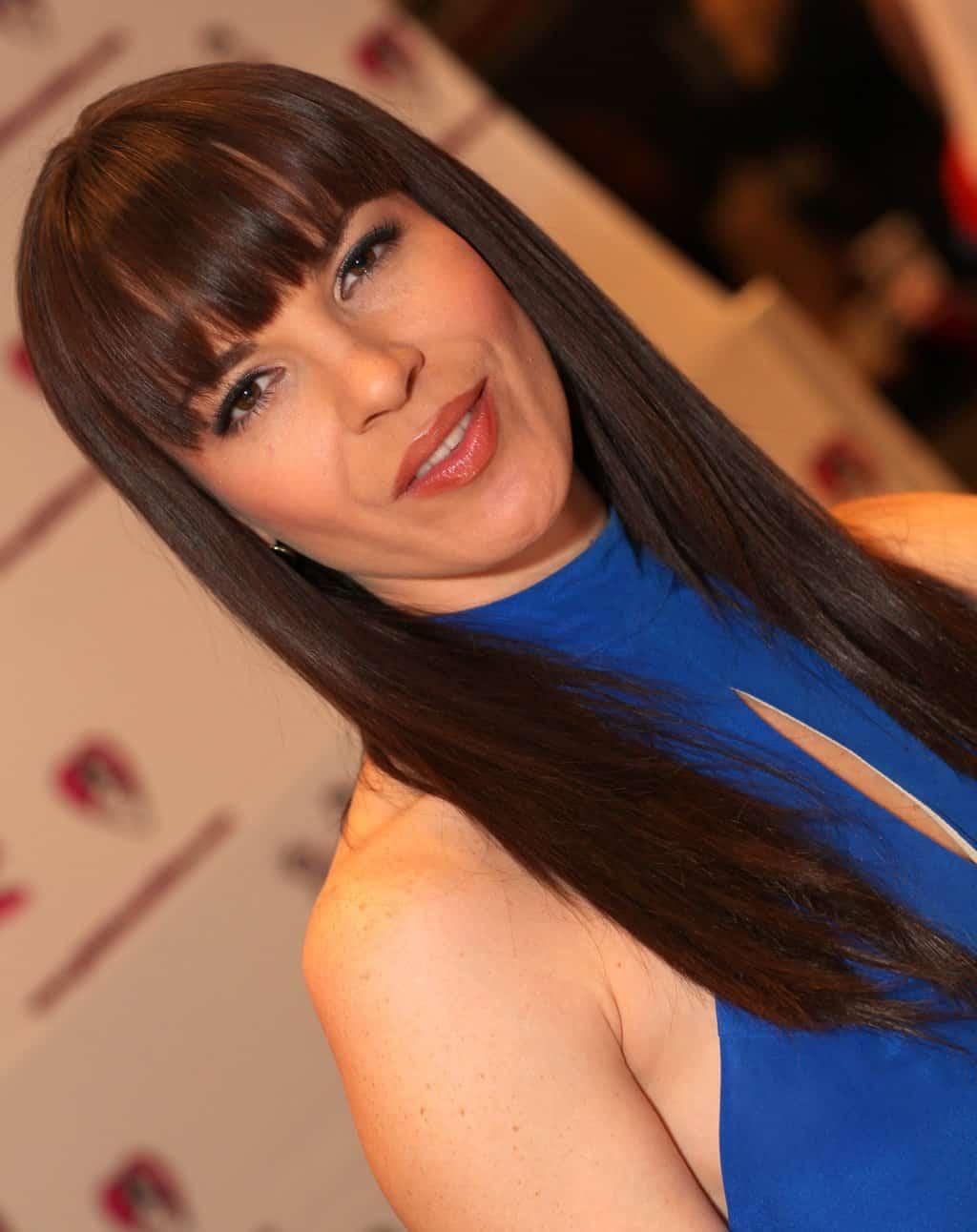 Internets_Girlfriend_Dana_DeArmond_-_2013_AVN_Expo_Photos_Las_Vegas_(8416902724)