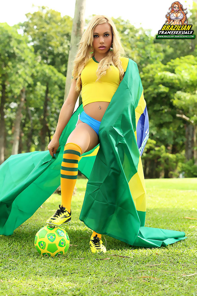 Sheylla loves team Brasil