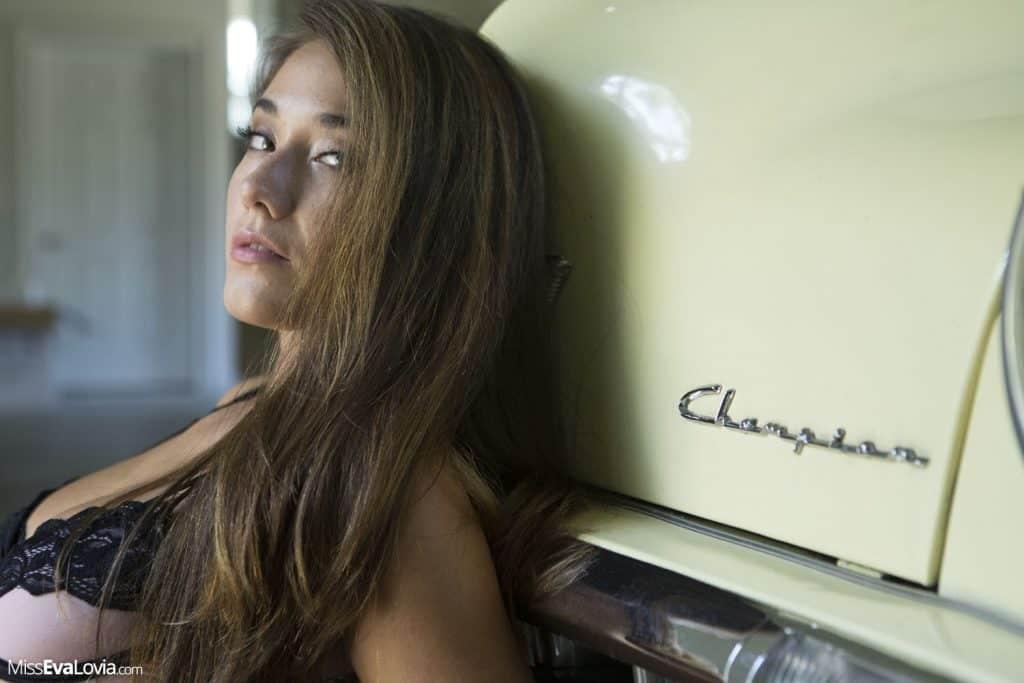 Eva Lovia and a beautiful car