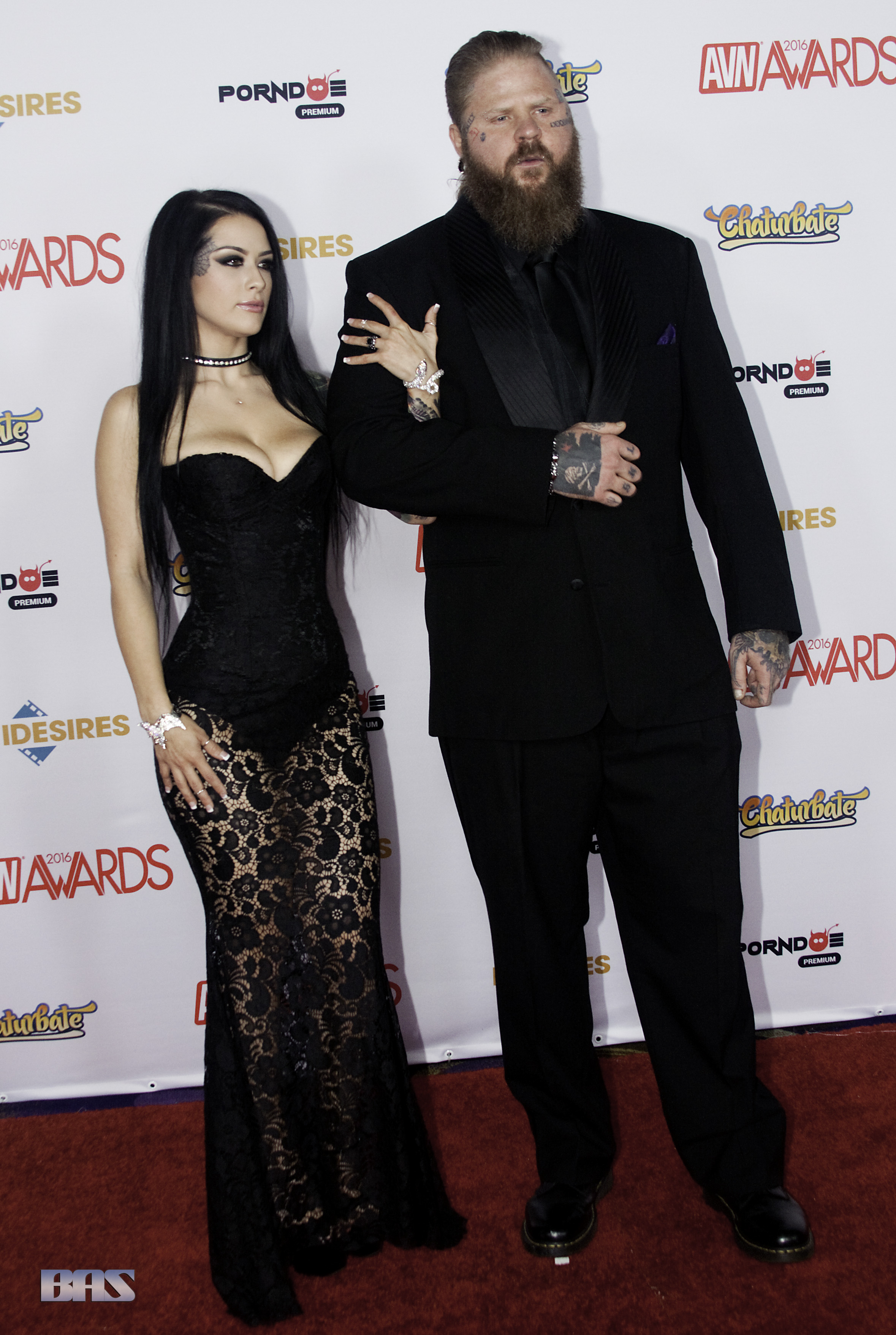 Katrina_Jade_and_Nigel_Dictator_at_AVN_Awards_2016_(26398673240)