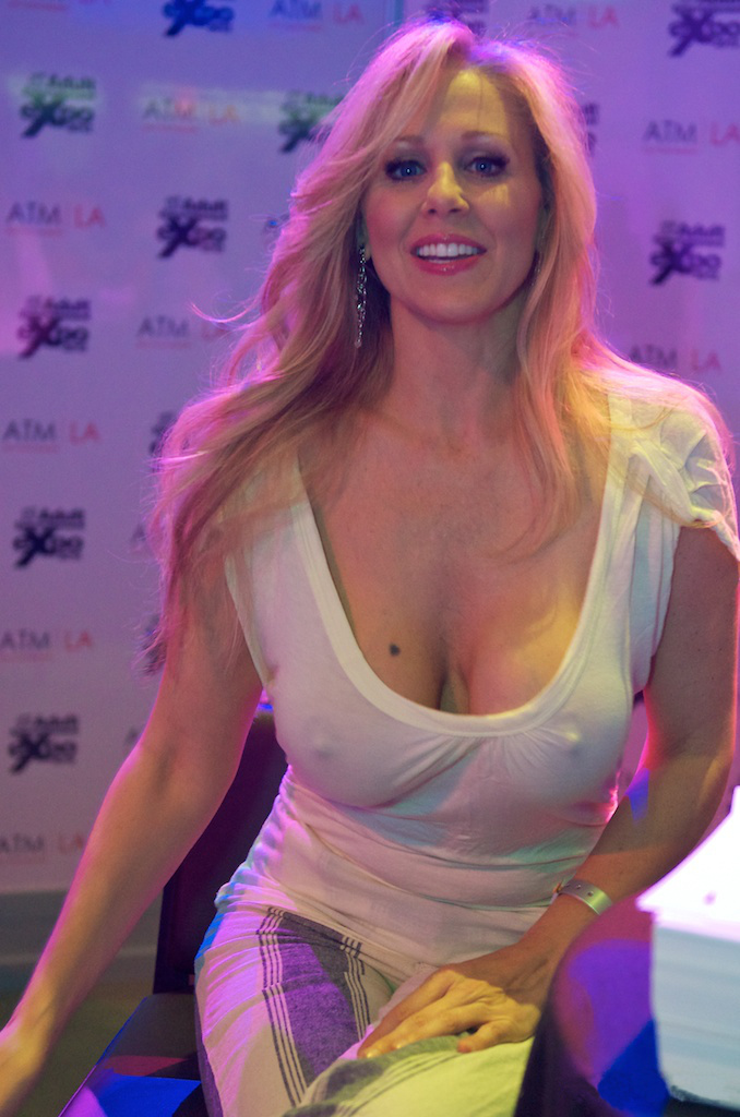 Julia_Ann_at_AVN_Adult_Entertainment_Expo_2012_1