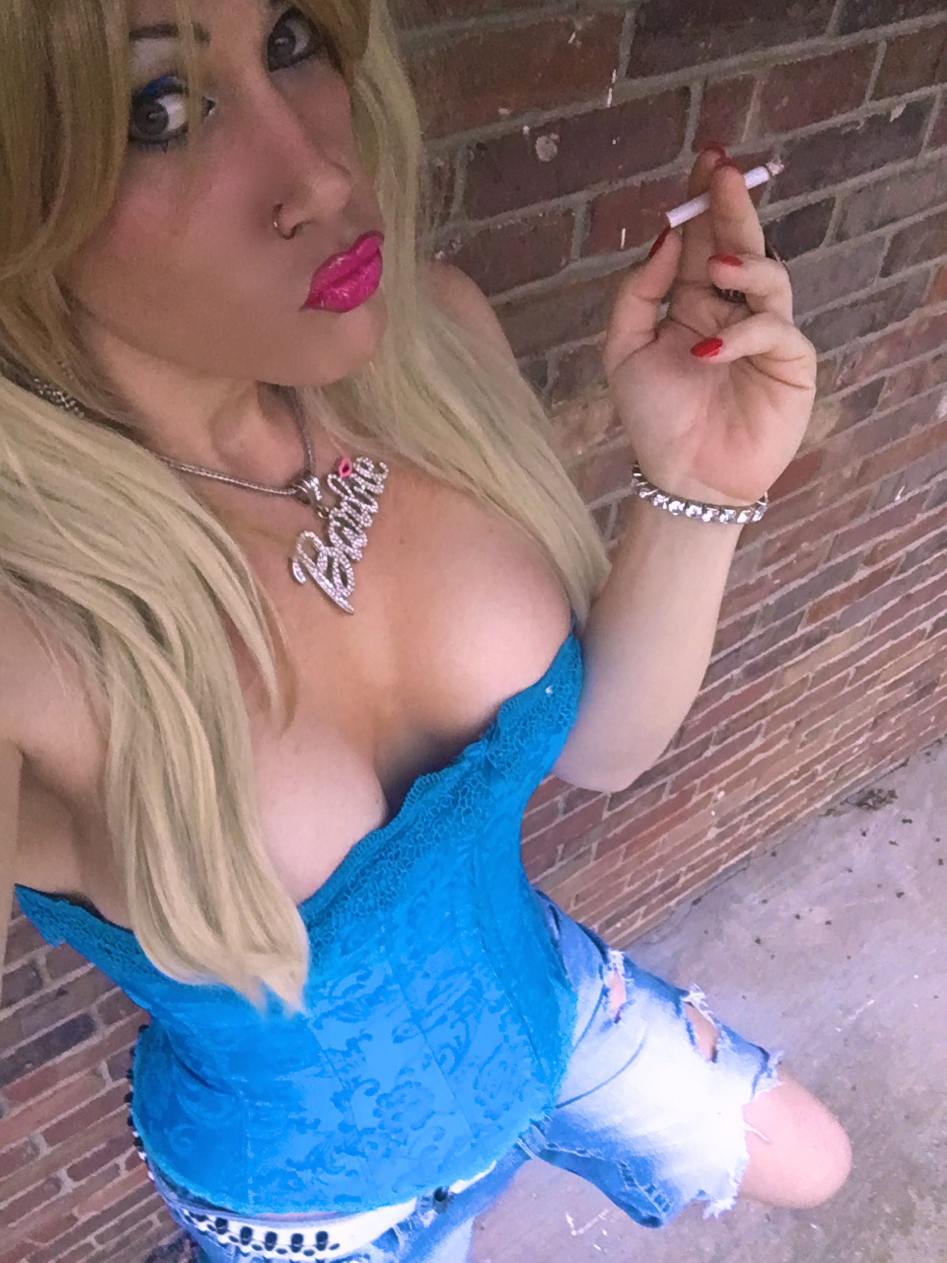 Kimber Haven XXXBios - Kimber Haven blonde hair sfw pics - TS Kimber Haven smoking in sexy blue corset and ripped blue jeans - Kimber Haven porn pics sfw