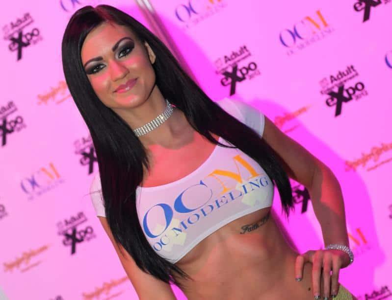 Kendall_Karson_AVN_Photos_AEE_Expo_Las_Vegas_2012_2