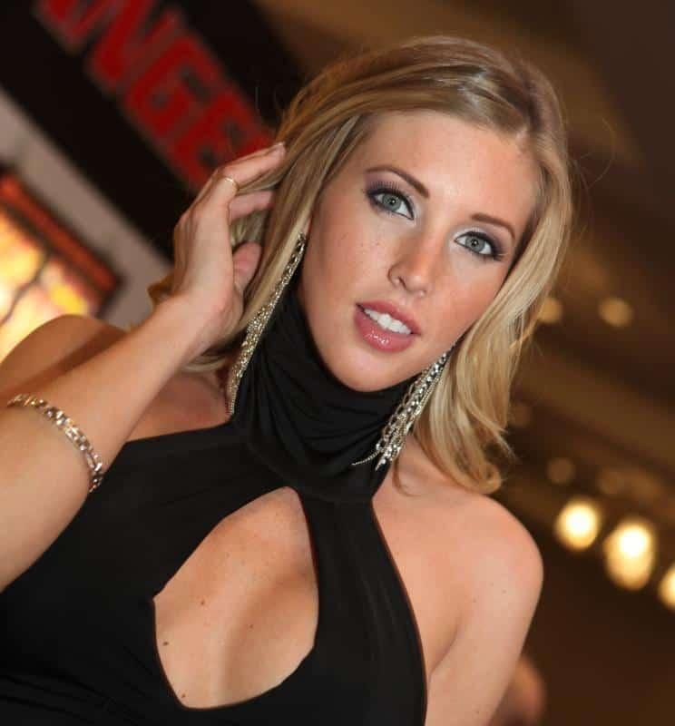Samantha_Saint_-_AVN_Photos_AEE_Expo_Las_Vegas_2012