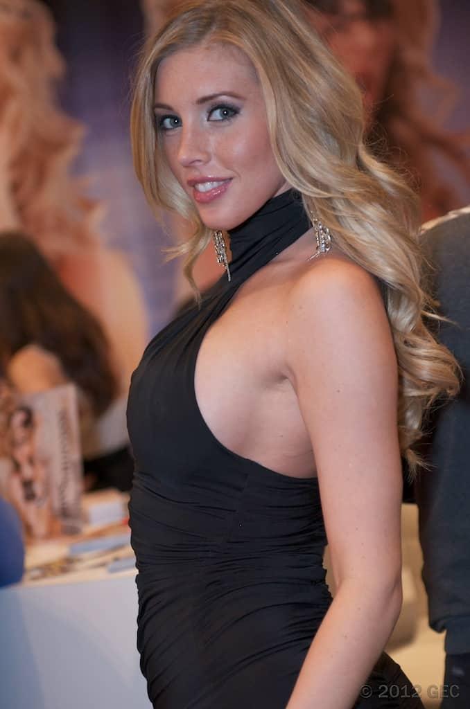 Samantha_Saint_at_AVN_Adult_Entertainment_Expo_2012_2