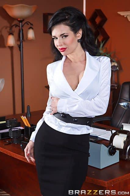 Top MILF pornstars AdultWebcamSites - MILF porn star Veronica Avluv pics