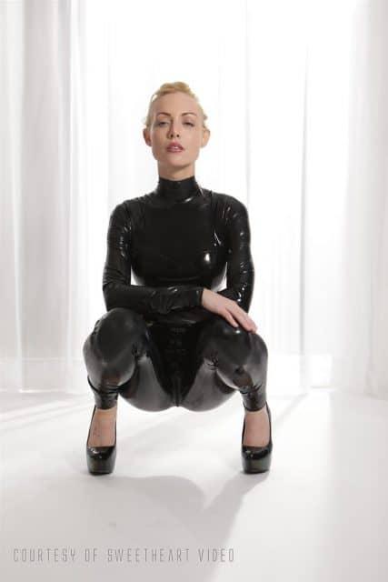 Top Blonde Pornstars AdultWebcamSites - Blonde pornstar Kayden Kross pics - Kayden Kross in sexy latex bodysuit pics