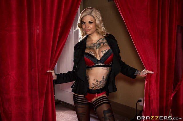 Top femdom pornstars AdultWebcamSites - Sexy femdom pornstar Bonnie Rotten porn pics sfw