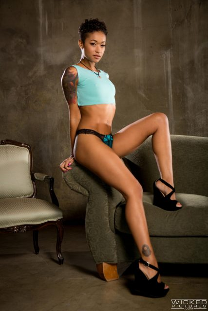 Skin Diamond AdultWebcamSites - Hot all natural tattoos pornstar Skin Diamond in sexy light blue cropped top and denim booty shorts with blue lacy panties and black high heels - Red Light Wicked Pictures Skin Diamond porn pics sfw