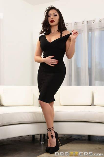 Top Femdom Mistresses XXXBios - Femdom Mistress Lea Lexis pics