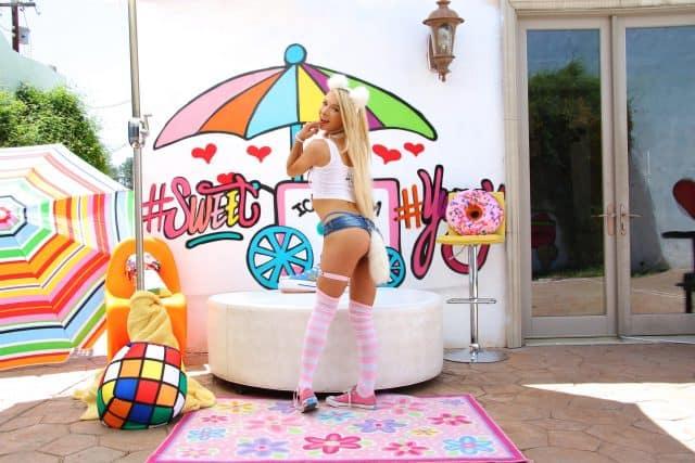Top petite pornstars AdultWebcamSites - Petite porn star Kenzie Reeves pics