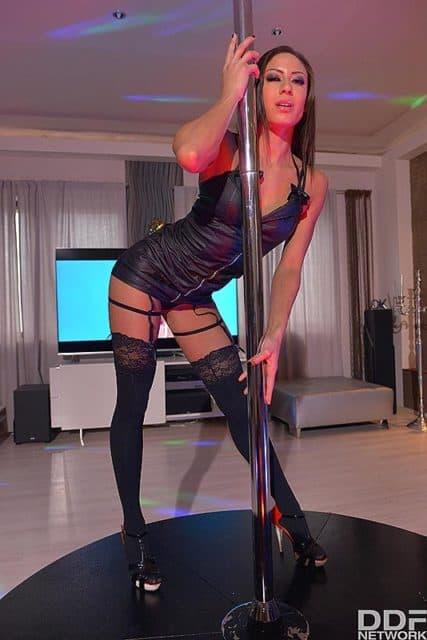 Top fit and athletic pornstars AdultWebcamSites - Top fit and athletic porn star Cassie Del Isla porn pics sfw