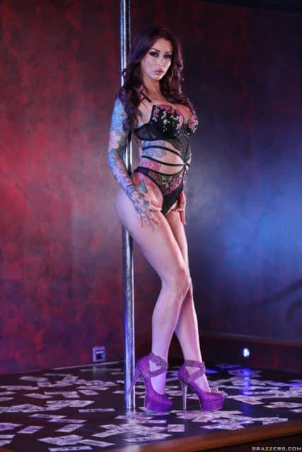 Top Brazzers pornstars AdultWebcamSites - Brazzers pornstar Monique Alexander pics