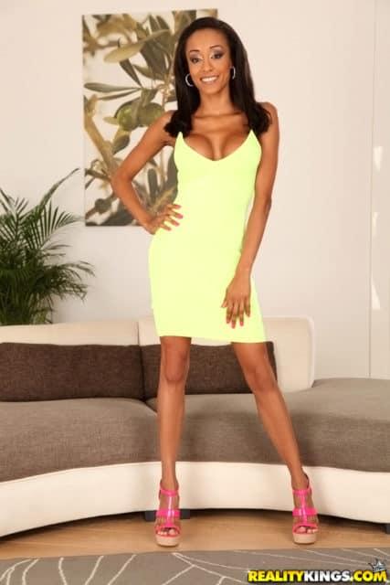 Alyssa Divine AdultWebcamSites - Alyssa Divine in sexy yellow dress and pink high heels - Alyssa Divine feet pics - Alyssa Divine So Divine scene pics - Reality Kings Alyssa Divine porn pics sfw