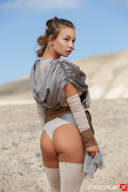 Top VR porn scenes XXXBios - Taylor Sands in a Rey cosplay outfit - Star Wars XXX VR porn scene pics