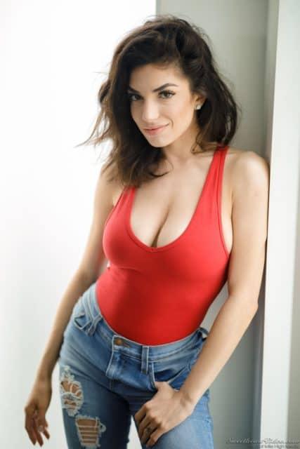 Top brunette pornstars XXXBios - Brunette porn star Darcie Dolce pics - hot natual brunette pornstars pics