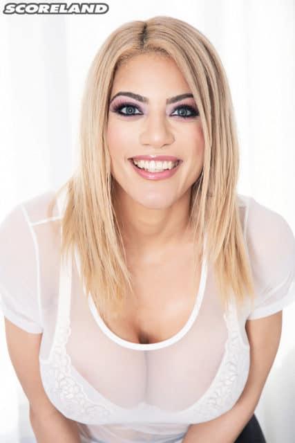 Amber Alena in sexy white bra and tshirt - Amber Alena Scoreland - Amber Alena AdultWebcamSites porn pics
