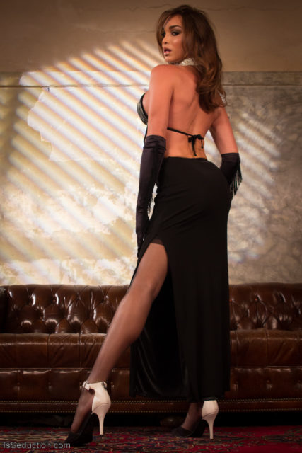 Jonelle Brooks XXXBios - TS Seduction Jonelle Brooks in long black gown, stockings, gloves and heels - Kink.com TS Jonelle Brooks porn pics