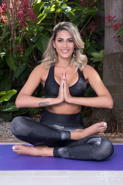 Bellatrix Fontes XXXBios - TS Bellatrix Fontes feet pics - Latina TS Bellatrix Fontes in sexy yoga pants and sports bra - Brazilian tgirl Bellatrix Fontes porn pics