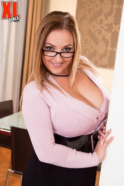Top Czech pornstars AdultWebcamSites - Czech porn star Krystal Swift aka Crystal Swift porn pics sfw