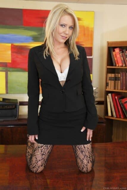 Top Australian pornstars AdultWebcamSites - Sexy Australian pornstar Ashley Winters porn pics sfw