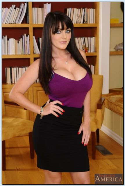 Top Naughty America Pornstars XXXBios - Naughty America porn star Sophie Dee porn pics sfw