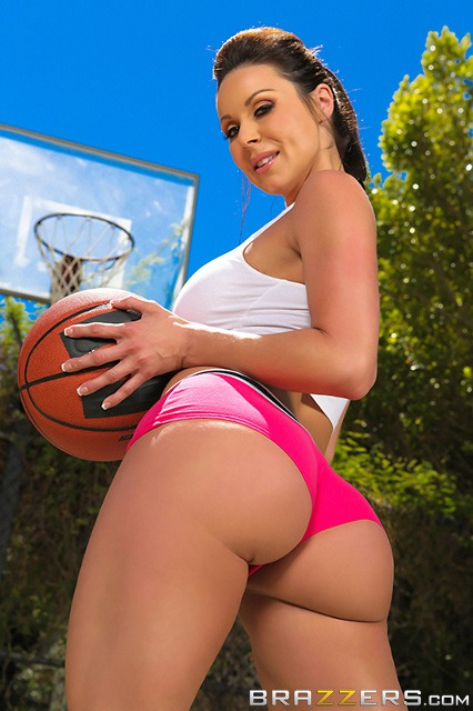 Top fit and athletic pornstars AdultWebcamSites - Fit and athletic porn star Kendra Lust porn pics sfw