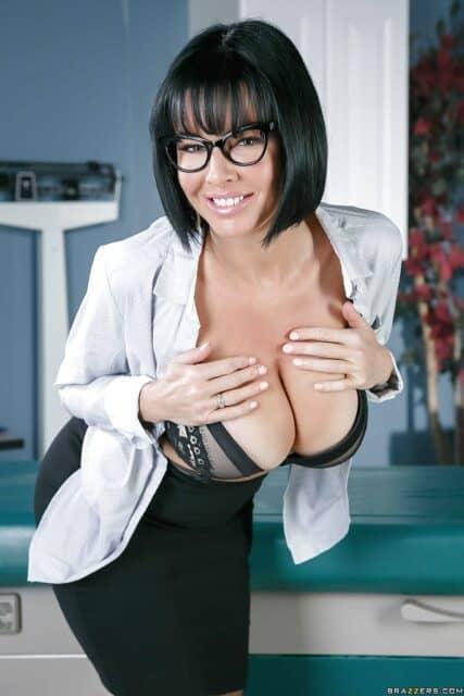 Top pornstars with glasses AdultWebcamSites - Top porn star with glasses Veronica Avluv porn pics sfw