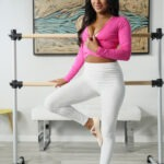 Sommer Isabella XXXBios - Hot all natural black teen pornstar Sommer Isabella shows off her 32C natural big tits and big ass bubble butt booty in sexy longsleeve pink top, white pants and ballet pumps - Top Heavy Brazzers Sommer Isabella porn pics sfw