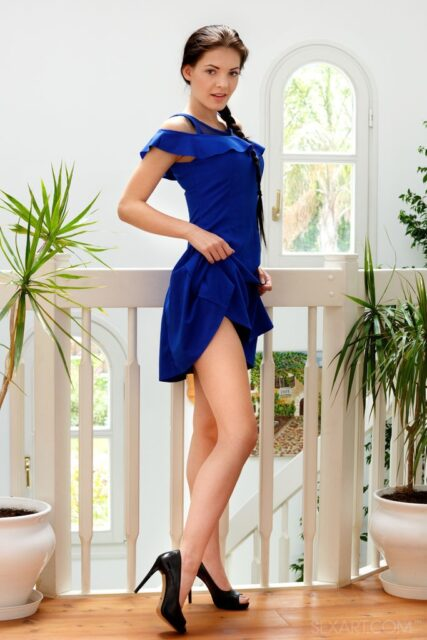 Anie Darling XXXBios - Hot tall all natural brunette Czech pornstar Anie Darling in sexy dark blue dress and black high heels - SexArt Cocktail Dress Anie Darling porn pics sfw