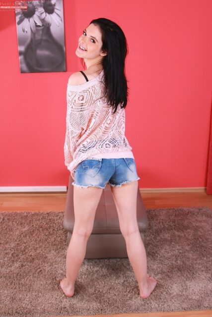 Anie Darling XXXBios - Hot tall all natural brunette Czech pornstar Anie Darling in sexy pink lace top and denim booty shorts with barefeet - Karups Anie Darling porn pics sfw