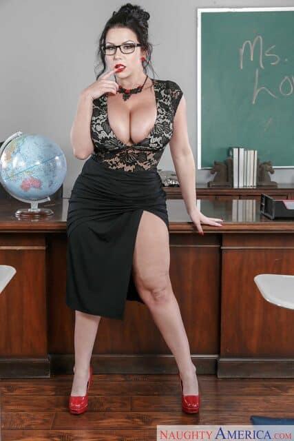 Top curvy and thick pornstars XXXBios - Hottest curvy and thick pornstar Sheridan Love porn pics sfw