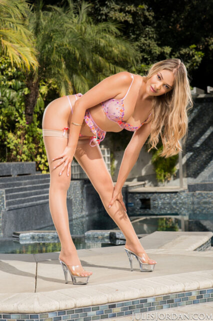 Gizelle Blanco XXXBios - Hot all natural tall blonde Hawaiian Latina pornstar Gizelle Blanco in sexy pink floral lacy lingerie stockings and suspenders with high heels - Jules Jordan Video Gizelle Blanco porn pics sfw