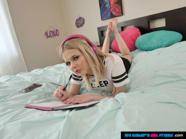 Coco Lovelock XXXBios - Hot all natural 4'10 petite blonde pornstar Coco Lovelock in sexy black and white tshirt with black booty shorts - My Sisters Hot Friend Naughty America Coco Lovelock porn pics sfw