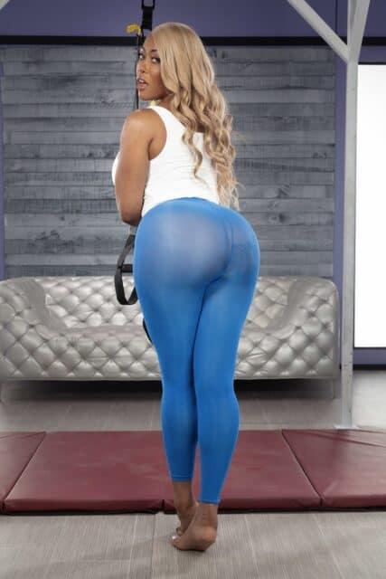 Top curvy and thick pornstars XXXBios - Hottest curvy and thick pornstar Moriah Mills porn pics sfw