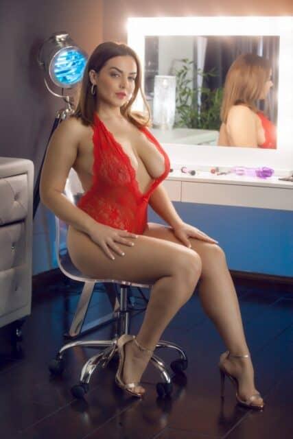 Top curvy and thick pornstars XXXBios - Hottest curvy and thick pornstar Natasha Nice porn pics sfw